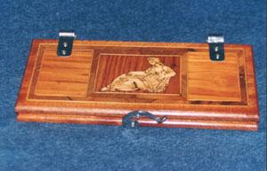 Stiracravatte in legno con intarsio personalizzato